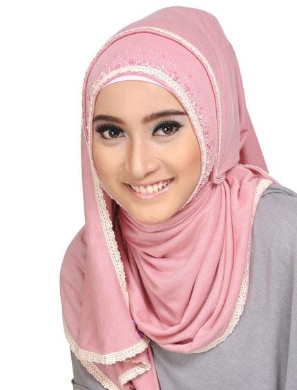 #HIJAB AMANDA  #Hijab #TutolrialHijab #elzattahijab www.elzatta.com Twitter : @elzatta hijab