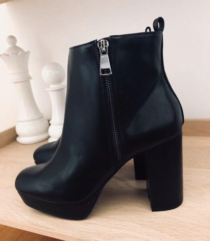 Low Boots noires 100% Neuves de marque Bershka. Taille 38 / UK 5 / US 7 à 30.00 € : http://www.vinted.fr/chaussures-femmes/bottines/64479117-low-boots-noires-100-neuves.