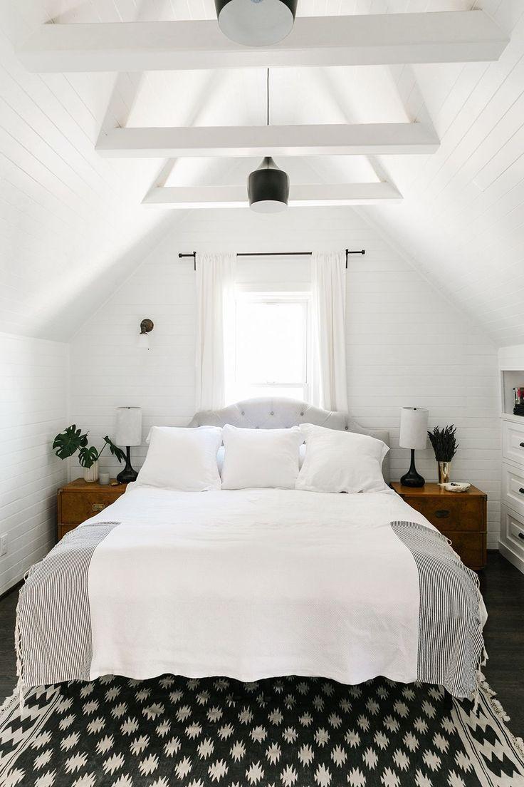 b+w bedroom