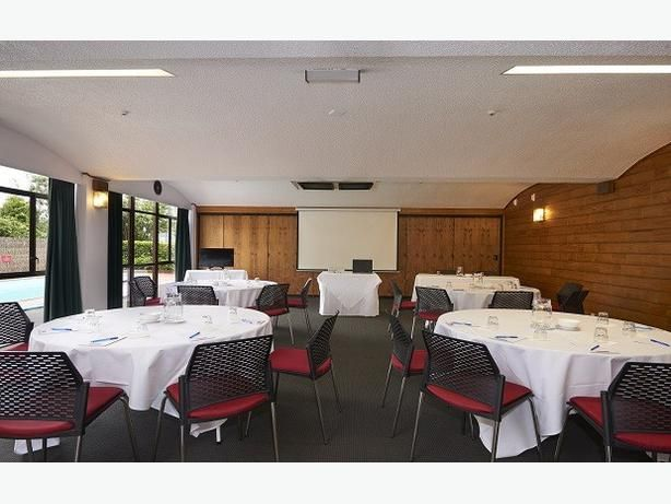 Find the best  conference rooms in Auckland. Contact us for more information!