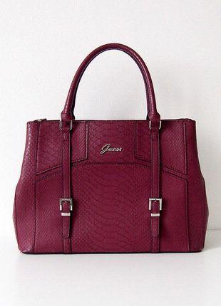 Kupuj mé předměty na #vinted http://www.vinted.cz/damske-tasky-a-batohy/kabelky/15430830-originalni-luxusni-vinova-kabelka-guess