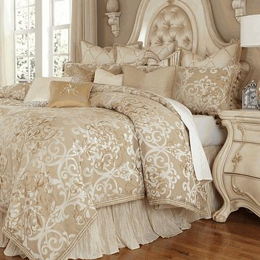 Best 25 luxury bedding sets ideas on pinterest beautiful bed designs beautiful beds and - Look contemporary luxury bedding ...