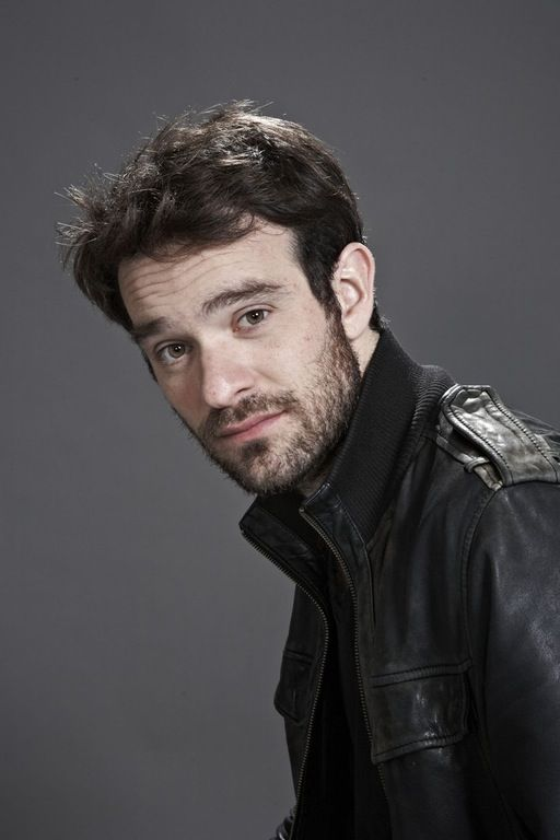 I've been watching the new Daredevil, and I keep thinking Murdoch's probably cute as hell behind the glasses. So I looked up the actor, and guess what? I was right! (his name's Charlie Cox btw) : LadyBoners
