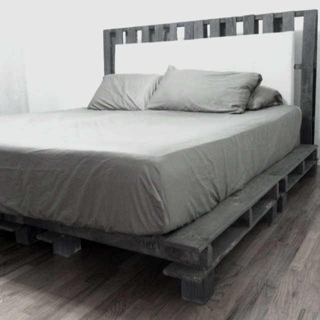 My Best Friend Is A Genius Diy Cal King Platform Bed
