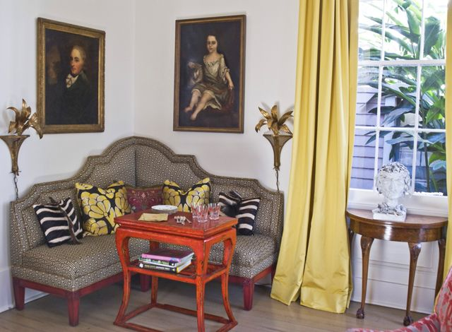 I like the couch but can do without the creepy portraitsDecor Ideas, Benches, Design Melissa, Corner Couch, 8 Corner Sitting, Small Spaces, Chinoiserie Chic, Melissa Rufty, Mmr Interiors