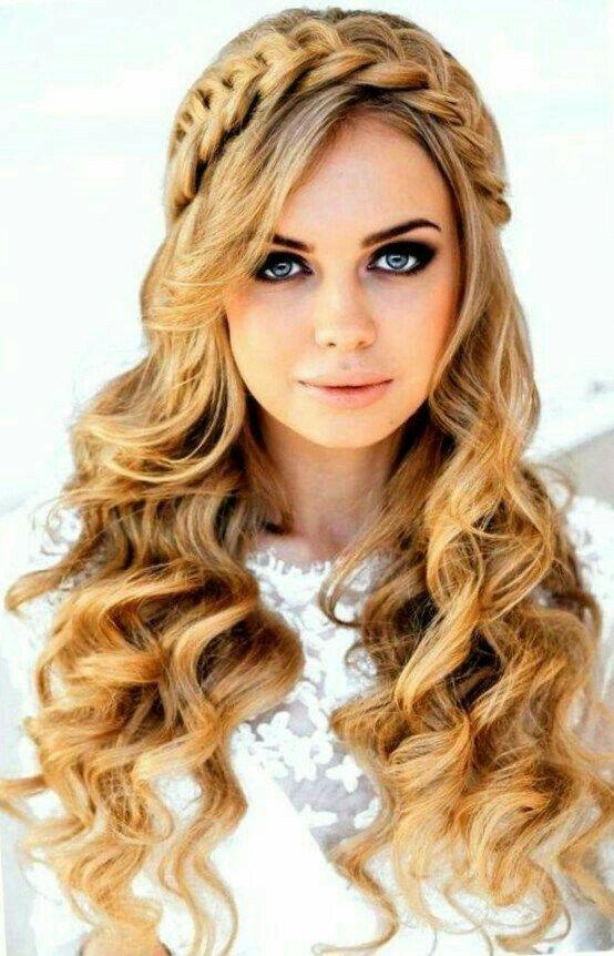 Idea De Katerina Hernandez En Tocados De Novia Peinados Juveniles Peinados Con Trenzas Peinados Faciles Pelo Corto