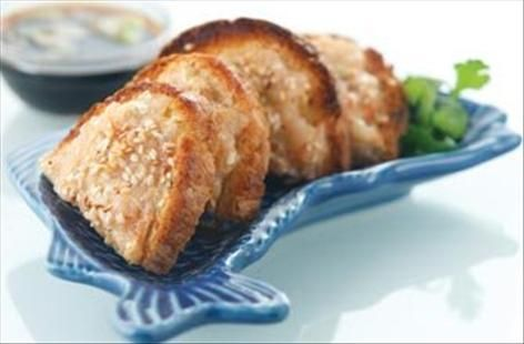 A simple Posh 'n easy sesame prawn toast recipe for you to cook a great meal for family or friends. Buy the ingredients for our Posh 'n easy sesame prawn toast recipe from Tesco today.