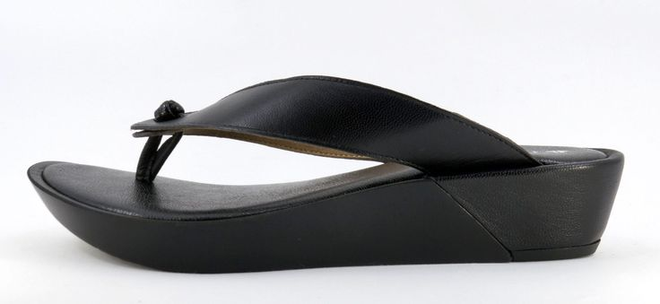 Froggie Black Handmade Genuine Leather Slip on Sandal. R 849. Handcrafted in Durban, South Africa. Code: 10737.371.100 See online shopping for sizes. Shop online South Africa https://www.thewhatnotshoes.co.za Free delivery within South Africa.