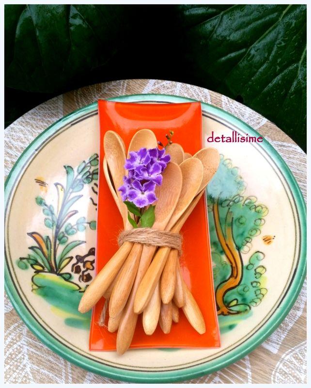 cucharas de madera natural de 13.5 cms Pedidos y catálogo: detallisime@yahoo.es
