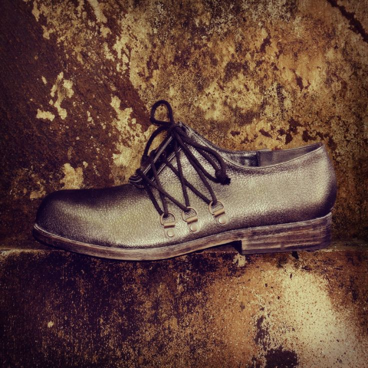 RODYA D-RING - Graphite Leather Laceup with brass hardware details #oldschool #handmade #90sstyle #grunge #pzdvintage