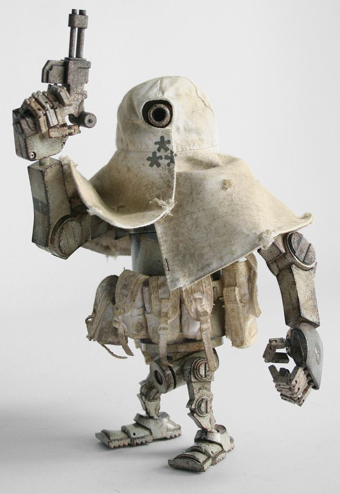 https://flic.kr/p/nBFqYh | IMG_107578 | Photos of the Emanation Bertie MK2.1 toy from the World War Robot Portable Collection by ThreeA based on designs from Ashley Wood.