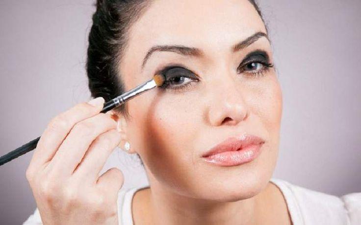 6 erros de maquiagem que você comete ao aplicar a sombra