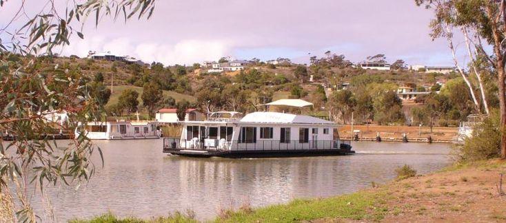 Misty Dawn Houseboat - Kia Marina