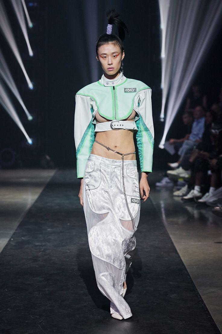 Vogue Fashion, Fashion Week, Runway Fashion, High Fashion, Fashion Outfits, Steampunk Fashion, Gothic Fashion, Mode Cyberpunk, Cyberpunk Fashion