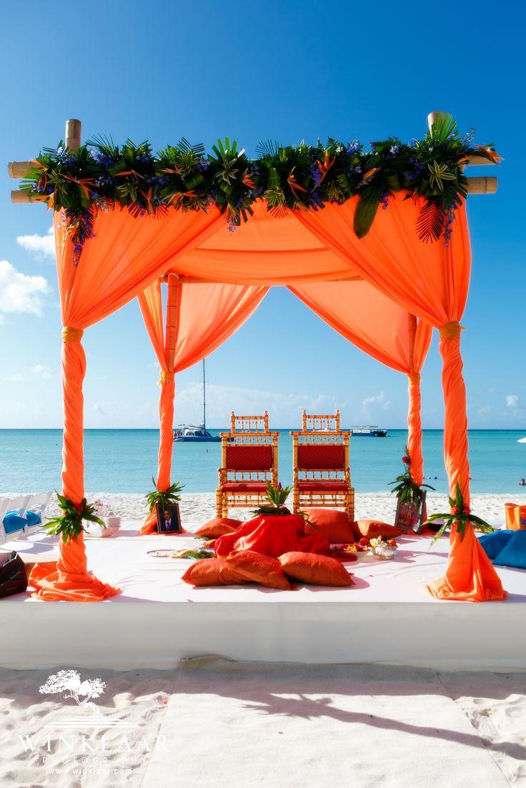 Indian wedding by Hyatt Aruba captured by Winklaar Photography. www.winklaar.com www.facebook.com/winklaarphoto