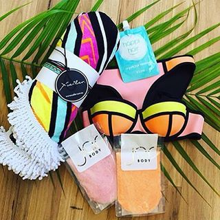 Summer ready with #theellie via @whiteoliveliving  @triangl @jarbodyscrub @happihair #bodyscrub #triangl #beach #summer