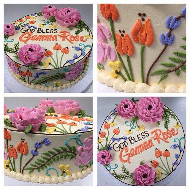 #100percentbuttercream #buttercream #buttercreamcake #makingclevelandsweeter #lovewhatwedo #whiteflowercakeshoppe #buttercreamflowers #clevelandbakery #clevelandcakes  #wildflowers