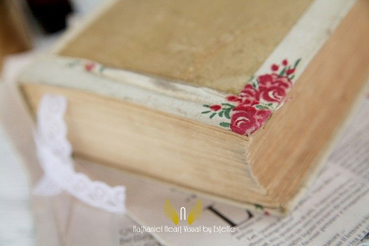 Antique book for vintage wedding decor  by Michela & Michela www.italianweddingcompany.com