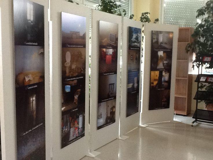 Lugares de e-lectura, selección de fotografías de Eduardo Margareto y textos de Antonia Moreno Mulas del Centro de Desarrollo Sociocultural de la Fundación Germán Sánchez Ruipérez, en la biblioteca de Valdelacalzada (Badajoz)