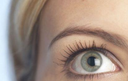 Neuritis óptica: ¿Cuál es su causa y tratamiento? - Neuritis óptica: ¿Cuál es su causa y tratamiento? Estamos ante una patología cuyo principal síntoma es la pérdida brusca y repentina de la visión de un ojo y a la que, además, las mujeres somos más vulnerables, con una proporción de cinco mujeres por un hombre. Aparece por la inflamación del nervio óptico y puede desvelar, entre otros, un diagnóstico de esclerosis múltiple.