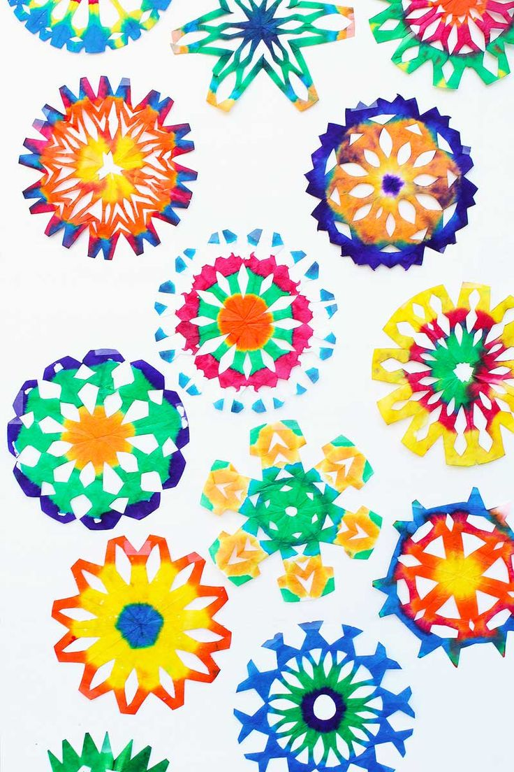 Make a Psychedelic Snowflake out of a coffee filter.