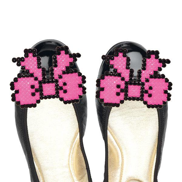 Hama-helmikuvioilla voit koristella vaikka kengät. Tarvikkeet ja ideat Sinellistä!