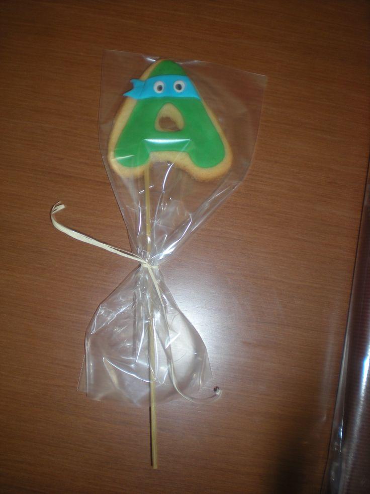 Piruleta de galleta para el pequeño Adrià, tematizada en la Tortuga Ninja!