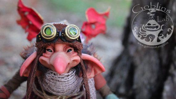 OOAK criatura fantástica pixie steampunk Nöotletrap por GoblinsLab. OOAK Dolls *The Artist Web ( GoblinsLab ) :https://goo.gl/0Cc6op /  Criaturas Míticas hechas a mano, por el artista plástico  Moisés Espino. The Goblin´s Lab. Madrid, España. Hadas, Duendes, Trolls, Brownies, Goblins, Fairies, Elfs, Trolls, Gnomes, Pixies....Quieres adoptar a una criatura? *GoblinsLab Facebook: https://goo.gl/S39lGQ  /  http://goblinslab.deviantart.com/