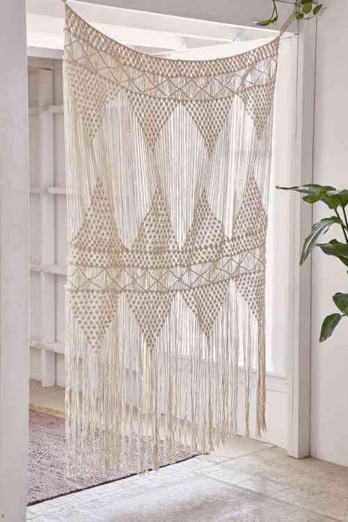 les 25 meilleures id es de la cat gorie rideaux macram sur pinterest rideau diviseur rideaux. Black Bedroom Furniture Sets. Home Design Ideas