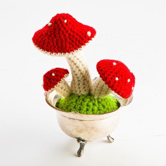 This listing is for a custom crocheted mushroom garden in a pot! Things you can customise:  1. Colour of the mushrooms  2. No. of mushrooms in a pot