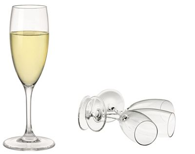 We love the Serroni polycarbonate range as a gift for Mum this Mother's day. Get the best of both worlds, with stylish glass-looking dining pieces, but the practicality of unbreakable acrylicware. These Serroni champagne flutes do just that, with sleek design, they are finer than most acrylic glass sets and are made from a BPA-free high quality polycarbonate that is virtually unbreakable. They are lightweight and elegant – perfect for camping, picnics, BBQ's, parties and outdoor dining.