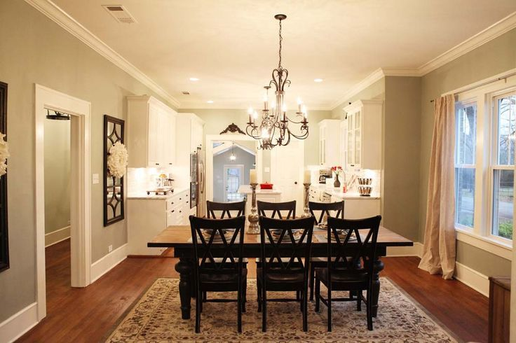 Magnolia farms of hgtv 39 s fixer upper kitchen house for Fixer upper dining room ideas