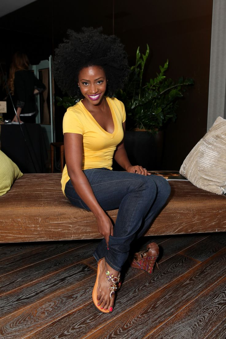 Teyonah Parris gives a gorgeous smile with her gorgeous ...