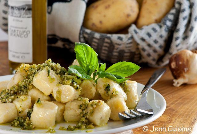 Gluten Free Potato Gnocchi with Truffled Pesto Sauce: Ricotta Gnocchi, Truffles Pesto, Pesto Sauces Recipes, Recipestotri Glutenfreegood, Potatoes Gnocchi, Gnocchi Pesto, Free Potatoes, Pasta Recipe, Gluten Free Gnocchi