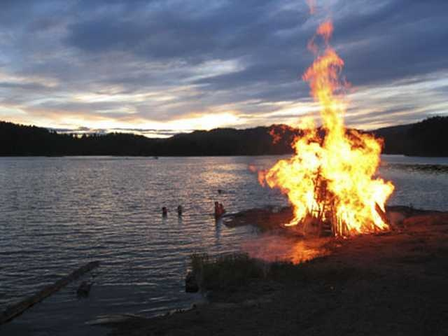 41 best images about Sankt Hans ~ Midsummer on Pinterest | Traditional, Water well and Festivals