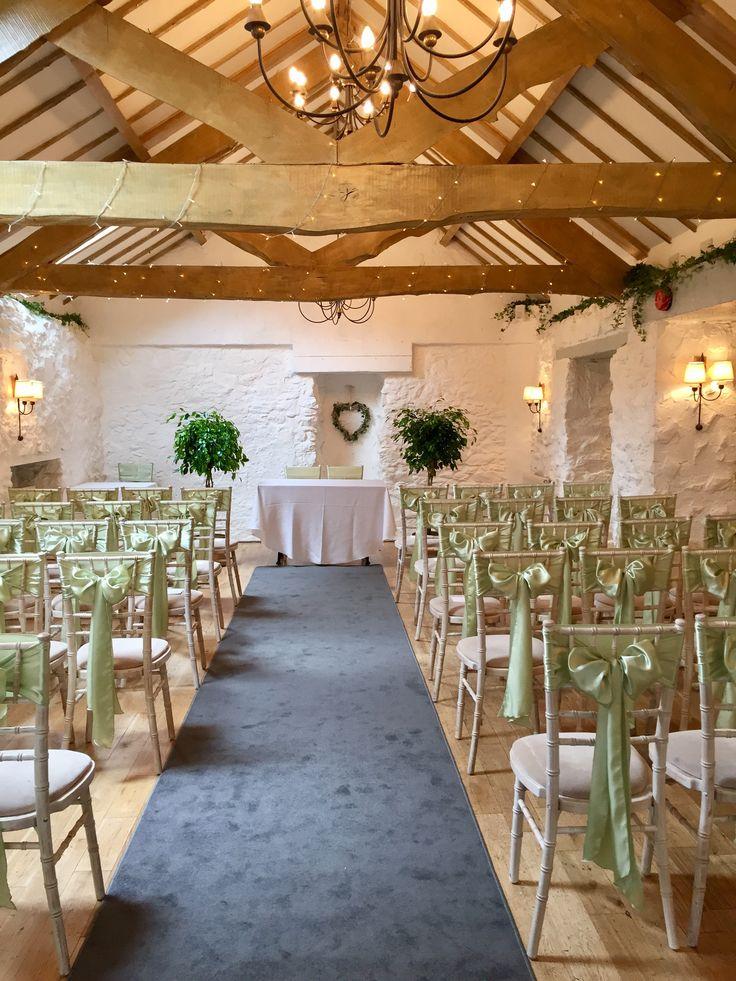Botanical wedding at the Bickley Mill Inn