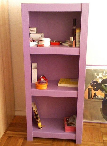 Picture of Cardboard book shelves, like a carpenter