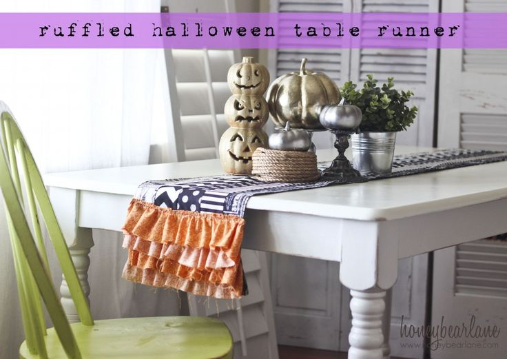 How cute is this ruffled halloween table runner