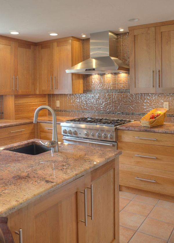 Cherry Wood Kitchen Cabinets Backsplash Ideas