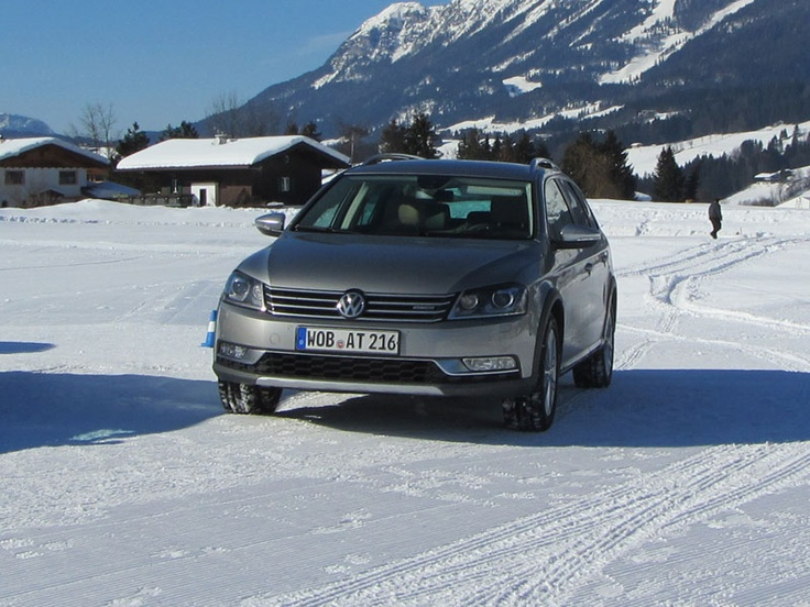 [Fahrbericht: VW Passat Alltrack] Mit dem Passat Alltrack ergänzt VW die Passat-Modellreihe um eine Variante im Offroad-Look. Wir haben schon eine erste Testfahrt unternommen. #vw #volkswagen #passat #kombi #alltrack #4motion #allrad