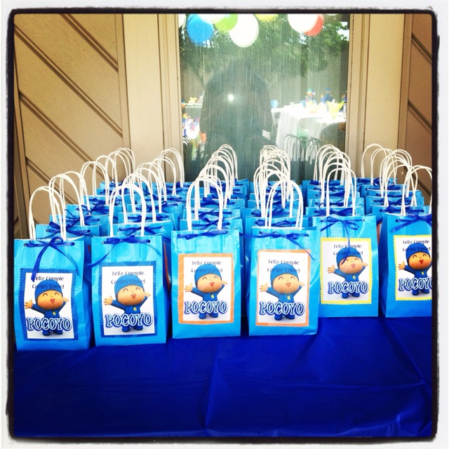 DIY Pocoyo party candy bags