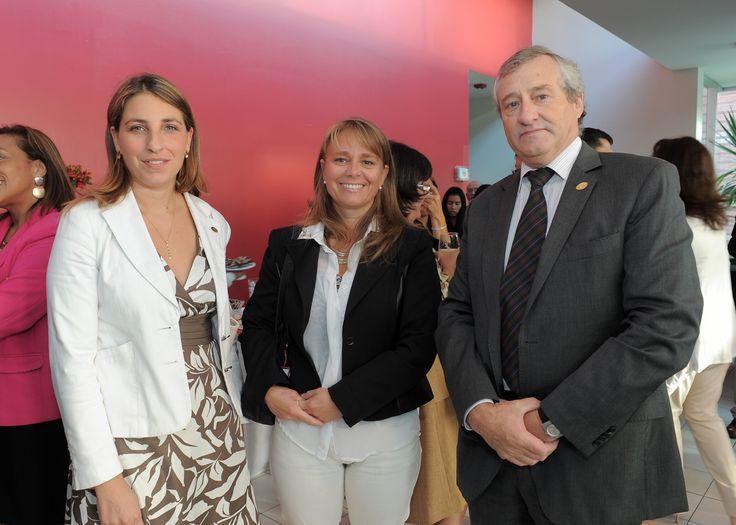 Pilar Varela, Mariela Hann, Alejandro Du Belloy.
