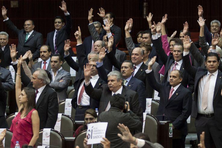 Diputados se aprueban 256 millones de pesos en vales - http://www.notimundo.com.mx/mexico/diputados-aprueban-256-mdp-vales/