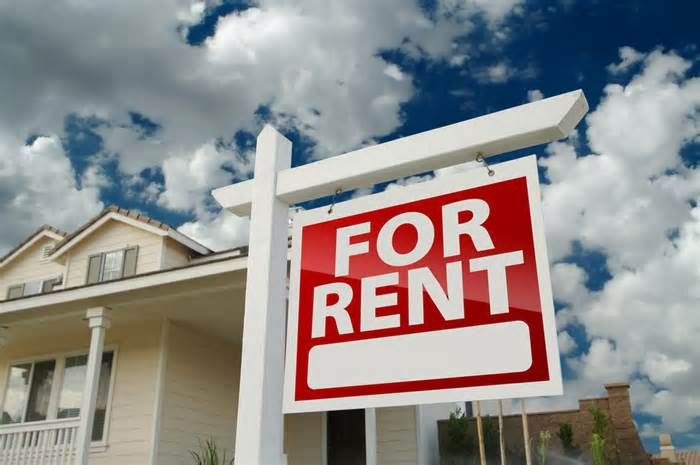 Dave Ramsey says: Handling rental property in the baby steps Dear Matt: No, it shouldn't. Baby Step 2 of my plan is where you use the debt snowball to pay off all debt — from smallest to largest — except for your home. This, of course, comes after Baby Step 1, in which you save up $1,000 for a beginner ...