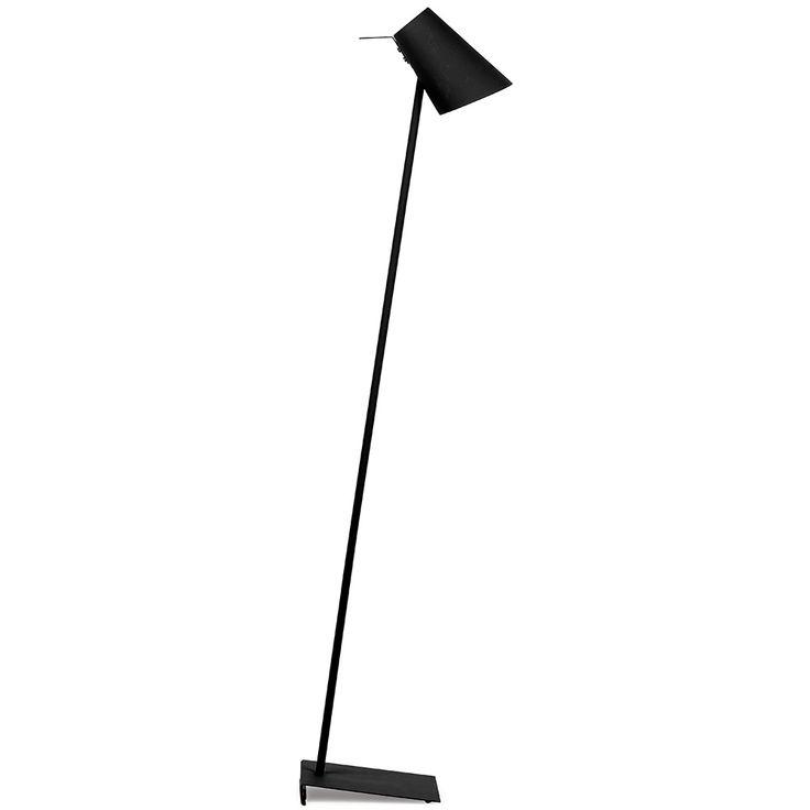 Geef de speelse Cardiff vloerlamp van It's about RoMi een mooie plek naast je bank.