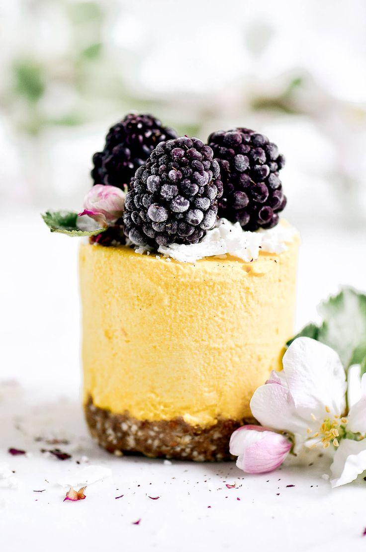 Vegan raw lemon peach mini cheesecakes with butternut squash! Paleo and dairy free. No bake cashew cheesecake. Best gluten free vegan cheesecake.