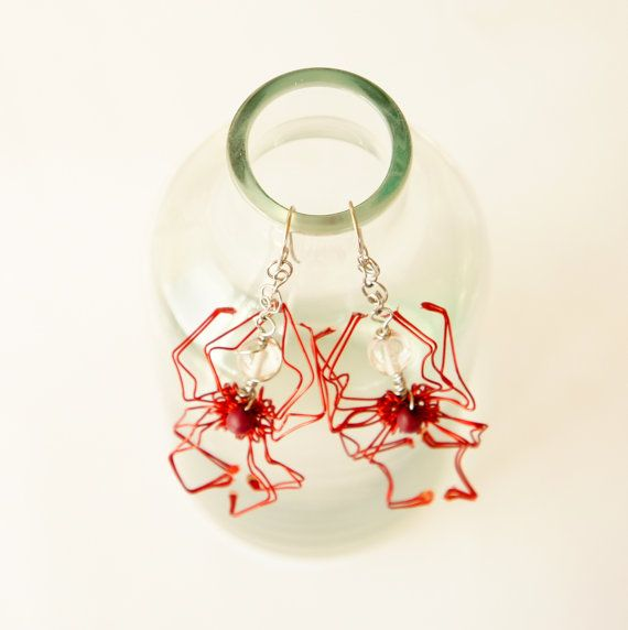 handmade halloween wire wrap red spider earrings by raizesimaginarias