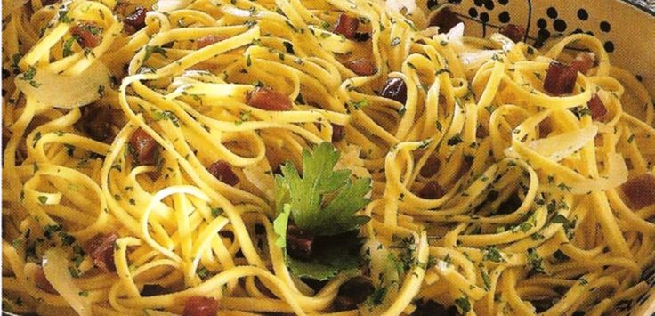 Here's a tasteful but simple #italian meal for your #lunch: Tagliolini di Campobasso, a typical dish from #Molise. Easy to cook, amazing to eat.  The #recipe: - 400g of pasta - 80g of raw ham - one onion - 4 spoons of oil - salt - black pepper  Try it and tell us what you think! #italianfood