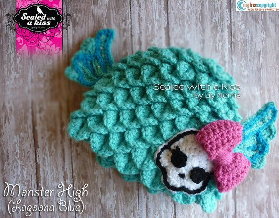 Monster High hat, Lagoona Blue hat: love it!  wonder if I can find a pattern to adapt to make this?
