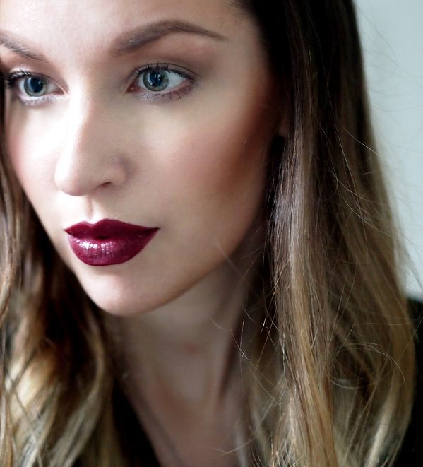 Focus on the lips. Blogger Girly Style is wearing Lumene True Passion Lip Color in shade Beautiful Shadows. #lipcolor #lumene